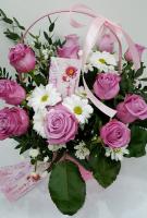 Корзина - с розами и ромашкой
