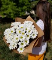 Букет из ромашковой хризантемы